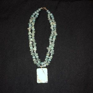Jewelry - Lovely glass bead necklace